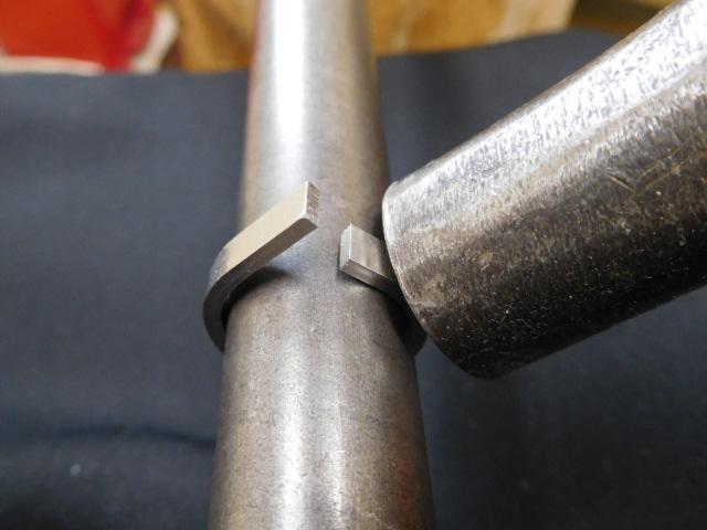 プラチナ板を丸めてリングの形状に