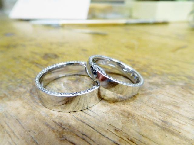 男女で幅が違う結婚指輪