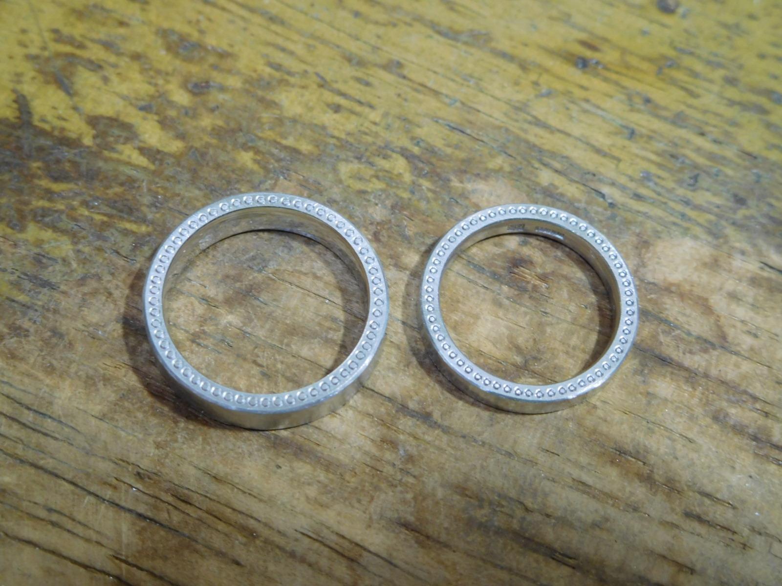 結婚指輪 分厚い