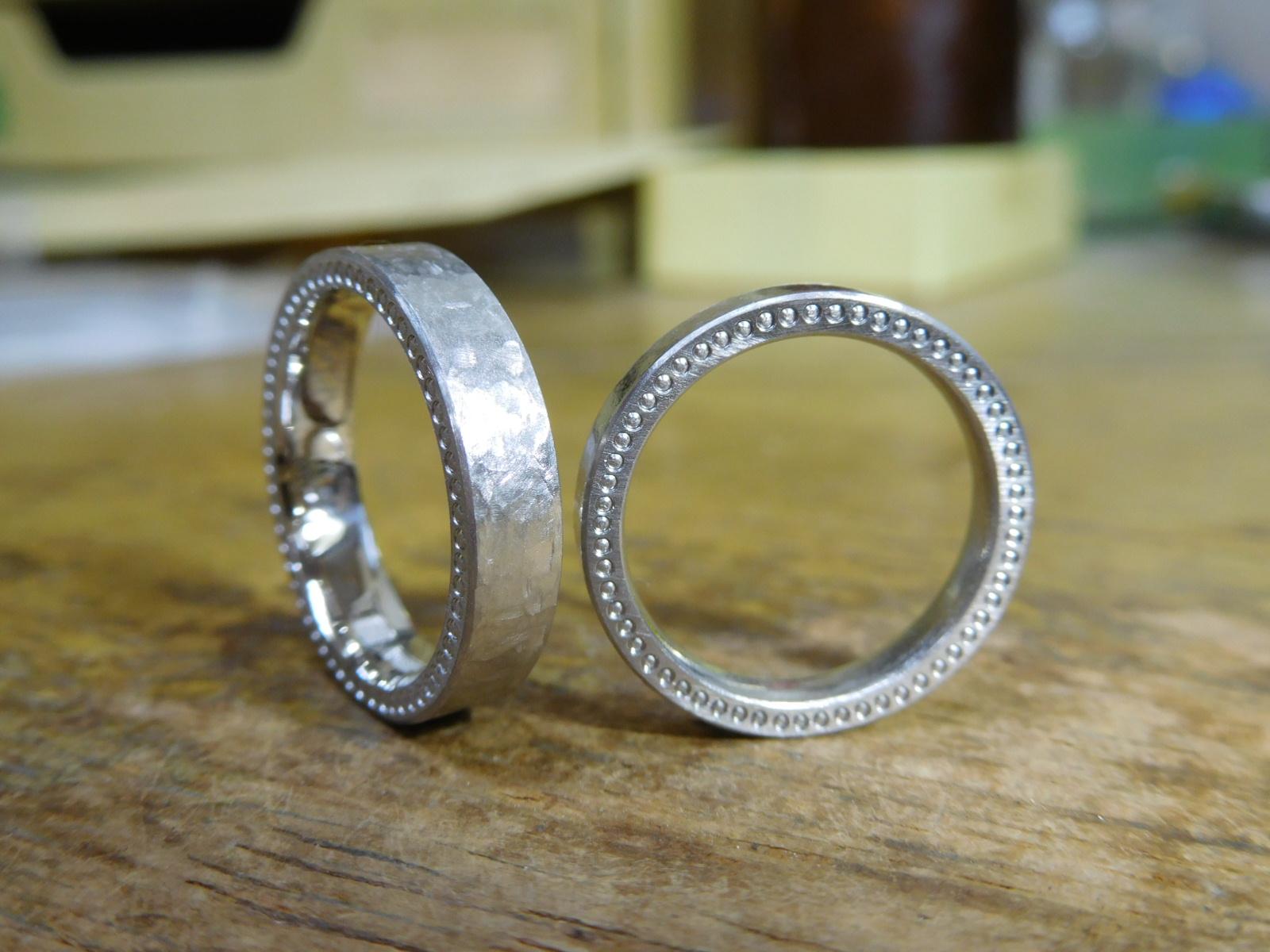 結婚指輪 厚い