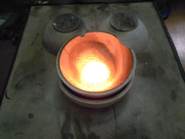 プラチナを溶かす 熔解写真