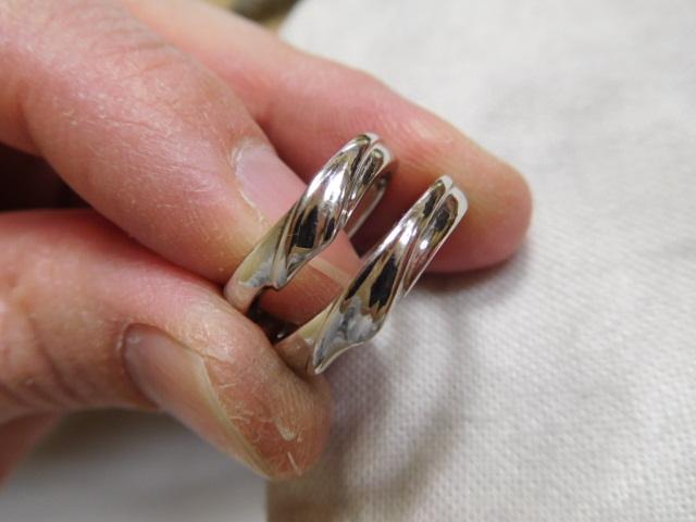 波の結婚指輪 ペアリング