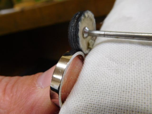 平打ちリングのバフ掛け-磨き方