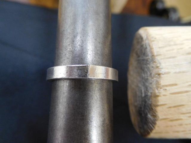 指輪の丸め方