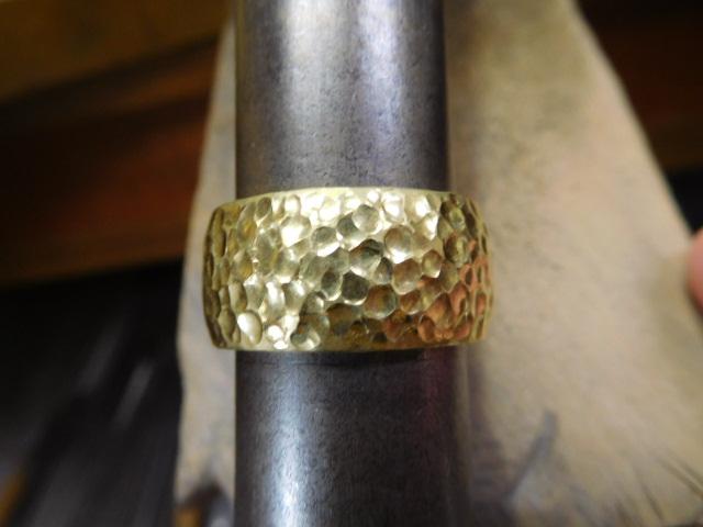 太い 金の指輪