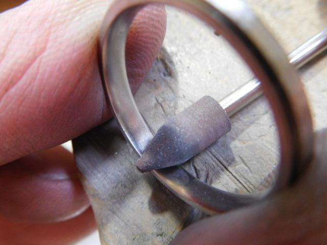 指輪 磨く