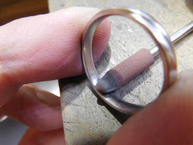 指輪 内側