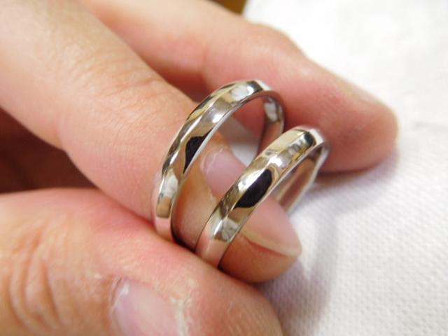 結婚指輪 三角