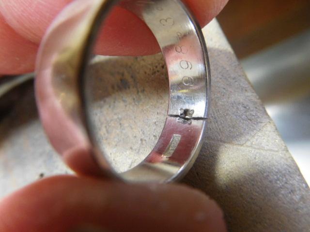 指輪 石外し