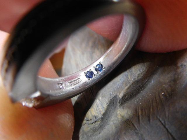 指輪の内側 誕生石