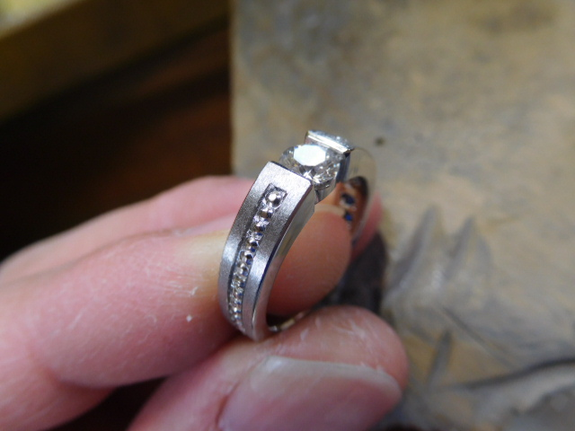婚約指輪 マット加工