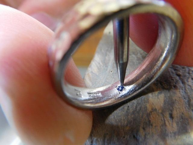 結婚指輪 誕生石の入れ方