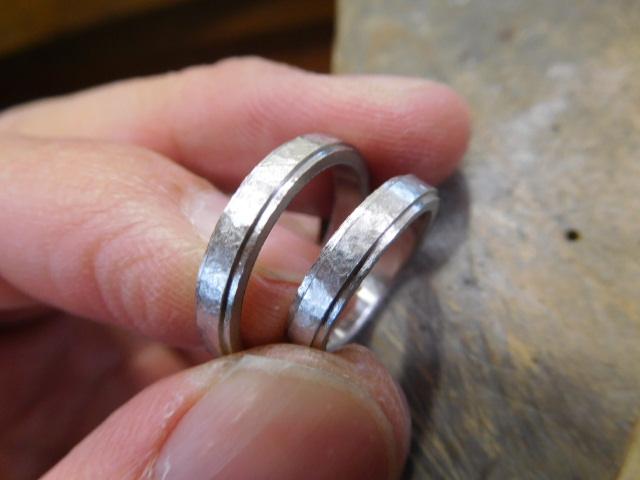 フチ付き 結婚指輪