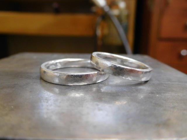 結婚指輪 甲丸 槌目
