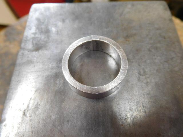 分厚いリング