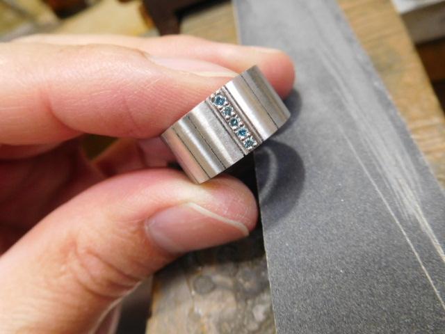 指輪 ヘアライン