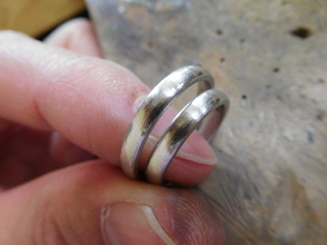 プラチナ 結婚指輪 荒削り