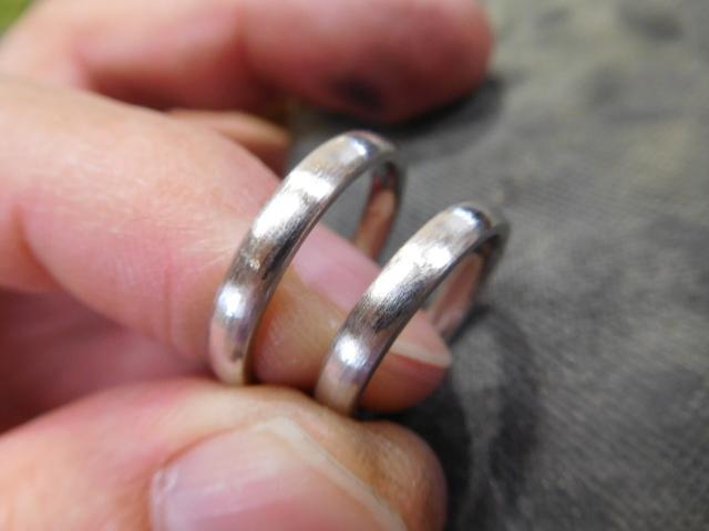 結婚指輪 荒削り
