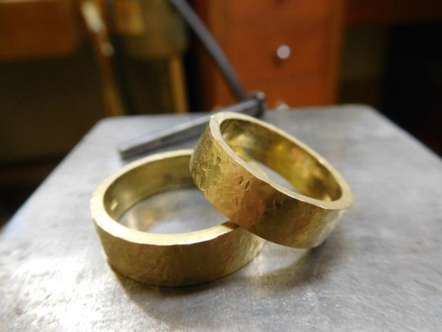 金の結婚指輪 幅広い