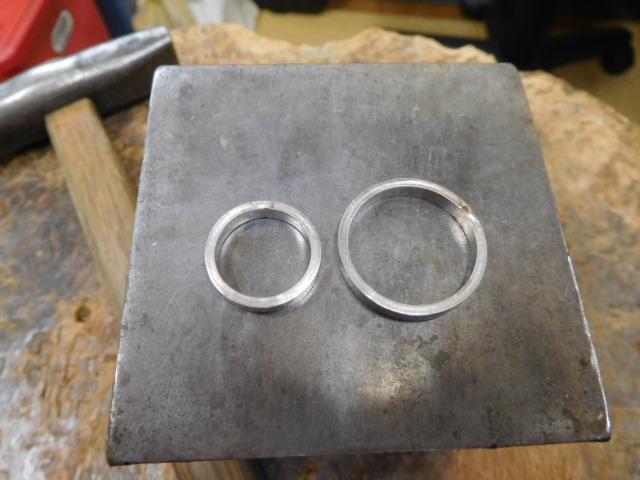 サイズの違う結婚指輪