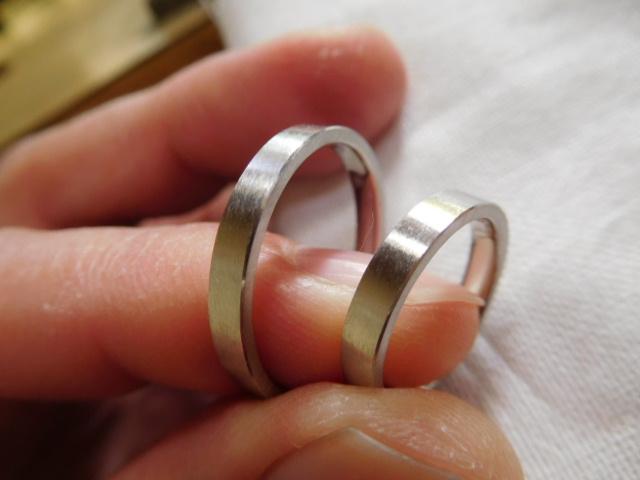 結婚指輪 平打ち