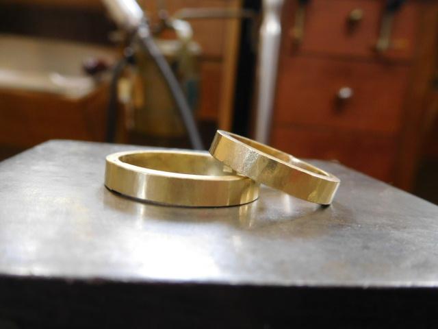 結婚指輪 金 鎚目