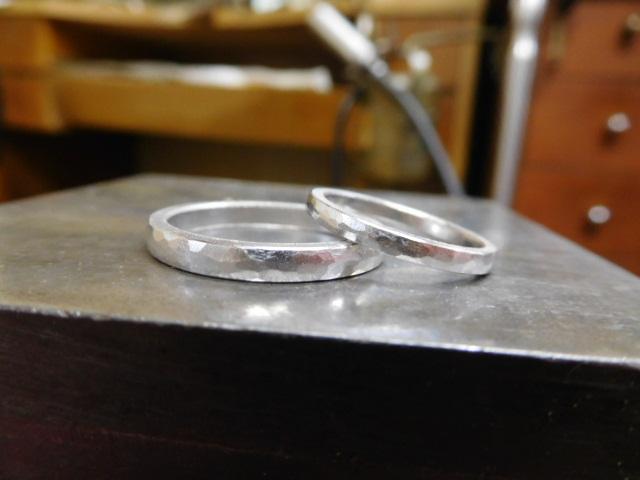 槌目リング 結婚指輪