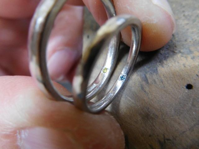 結婚指輪 中石を入れる
