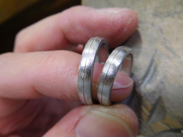 結婚指輪 甲丸 ライン