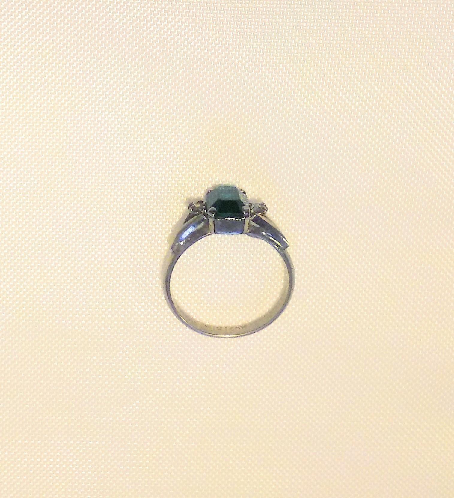 エメラルド 指輪