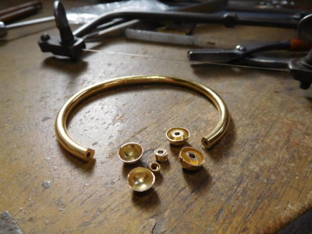 金の磁気ブレスレット
