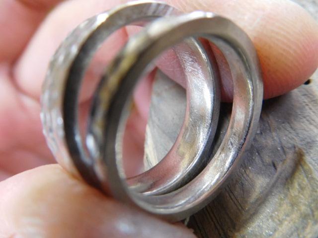鍛造結婚指輪 内甲丸