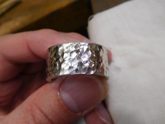 指輪 槌目