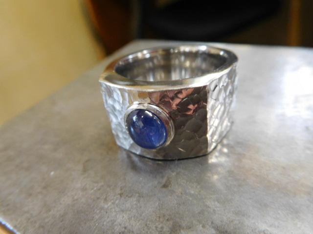 スターサファイア 指輪