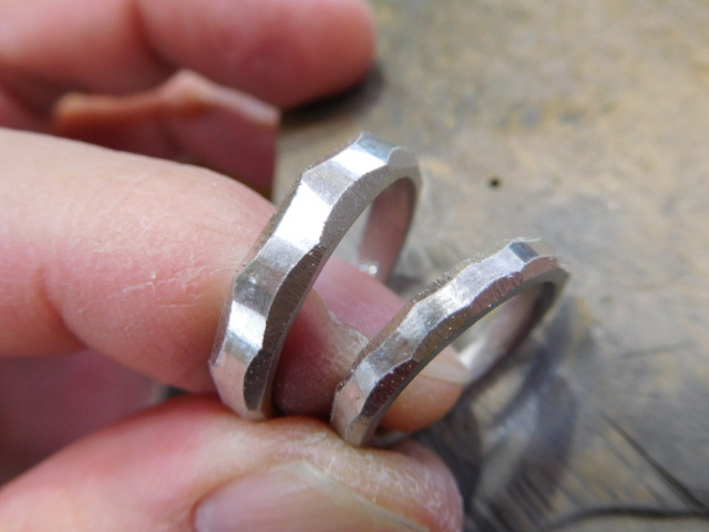 結婚指輪 彫金作業