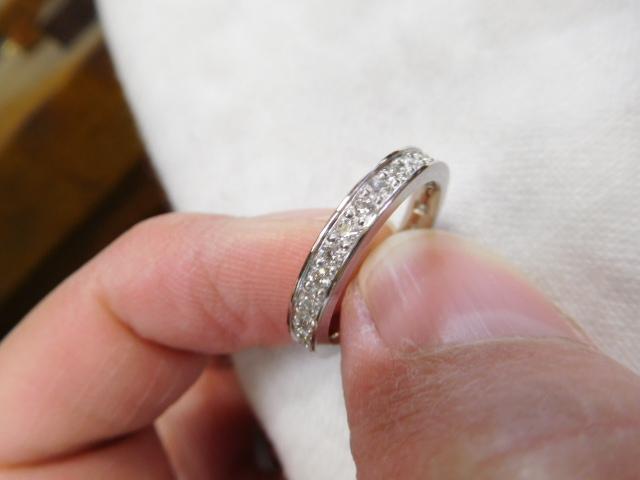 婚約指輪 金属アレルギー