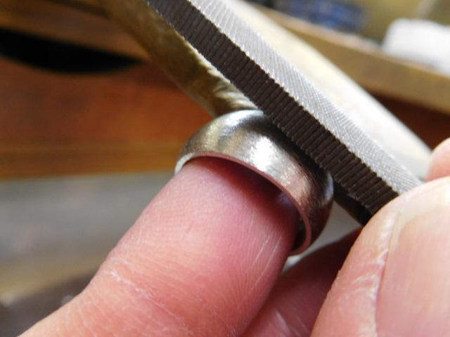 太め指輪 甲丸