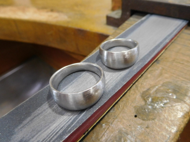 結婚指輪 太め