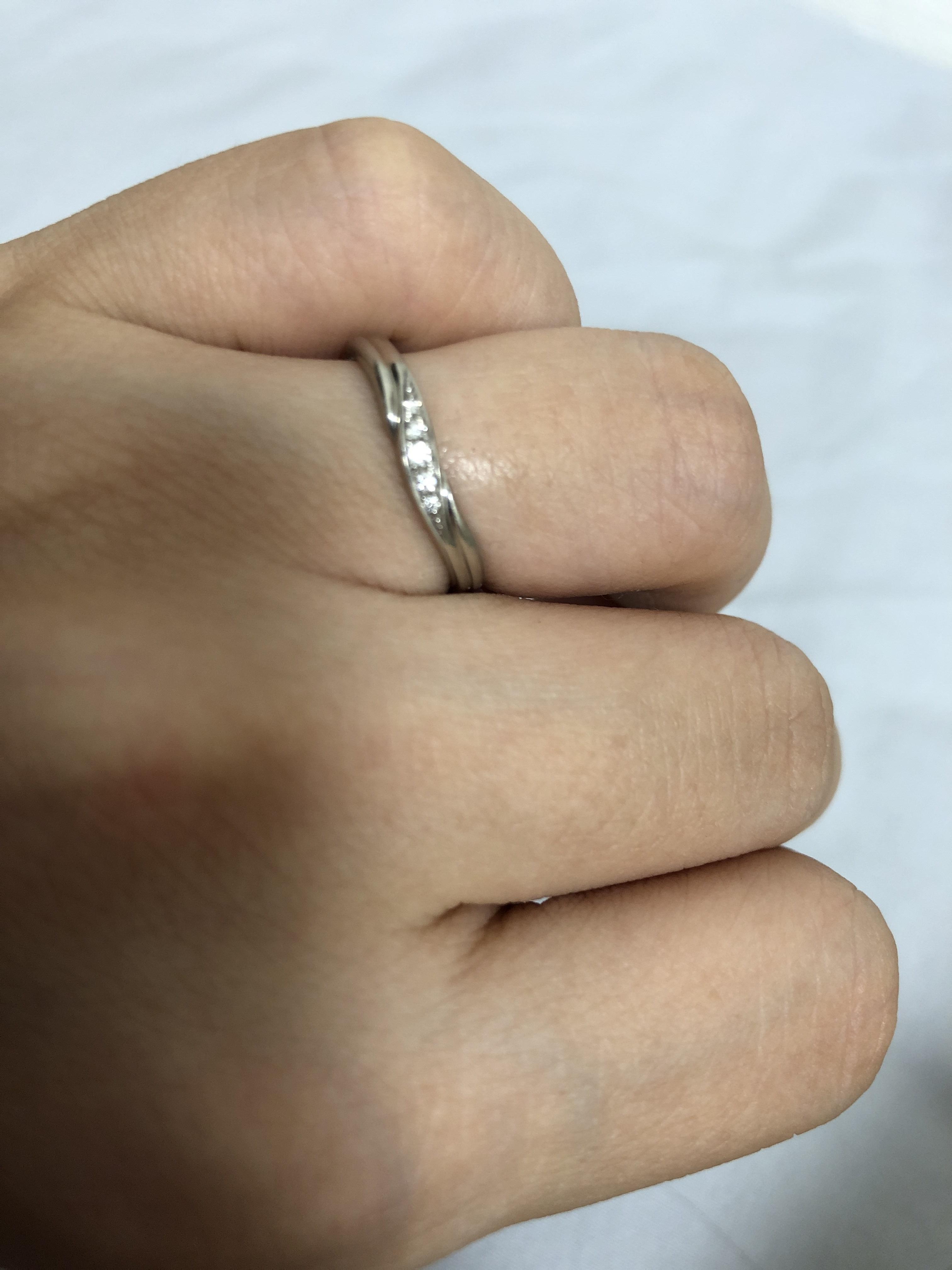 結婚指輪 小さいダイヤ入り
