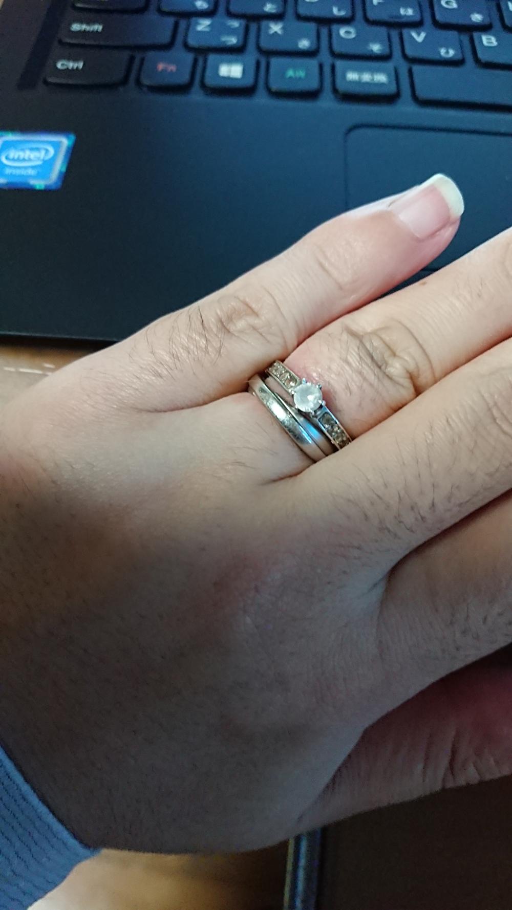 婚約指輪と結婚指輪 重ね付け