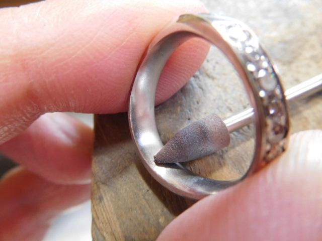 指輪 磨き