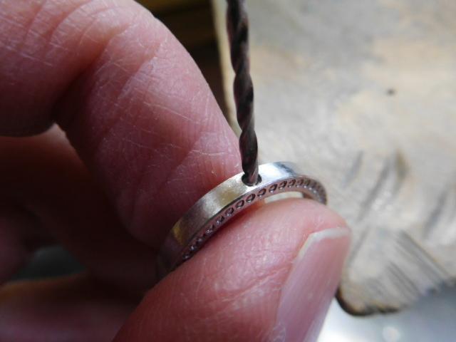 指輪 小さいダイヤ