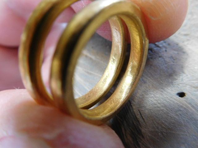 純金 結婚指輪 内甲丸
