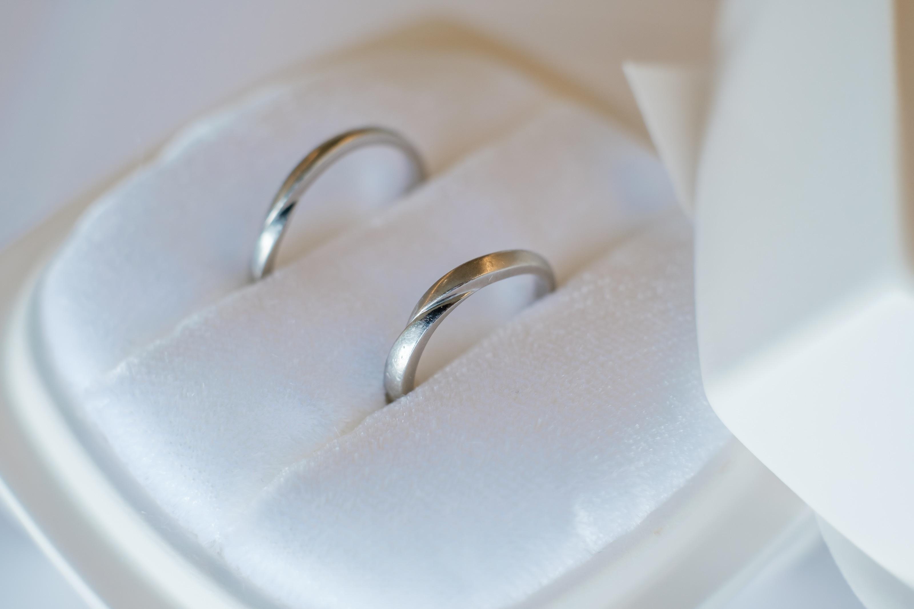 V型 結婚指輪