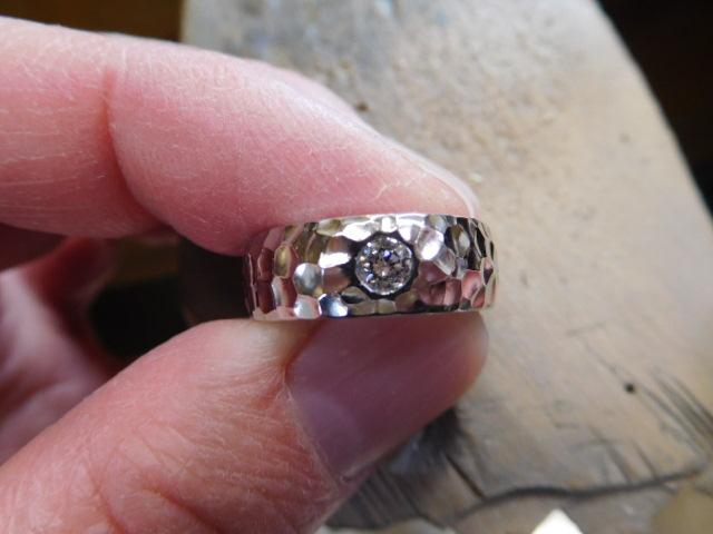 婚約指輪 槌目