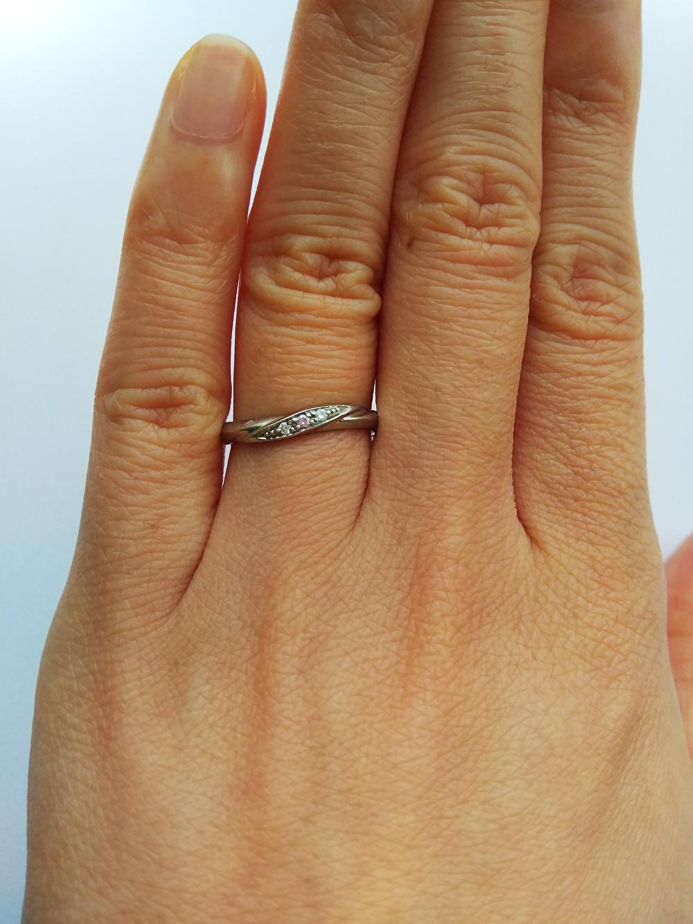 ウェーブのひねり 結婚指輪
