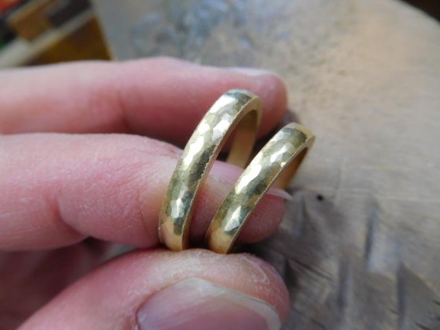 結婚指輪 ゴールド 槌目