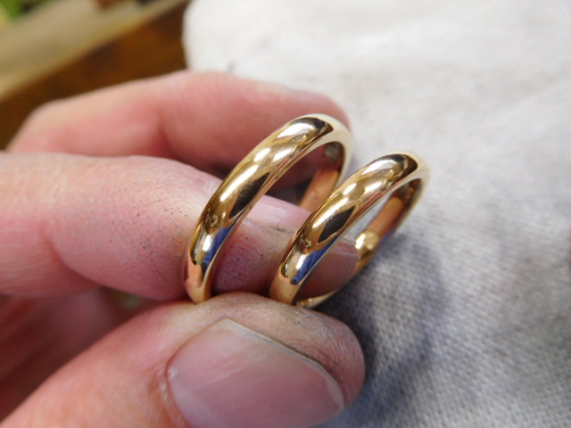 結婚指輪 ゴールド シンプル