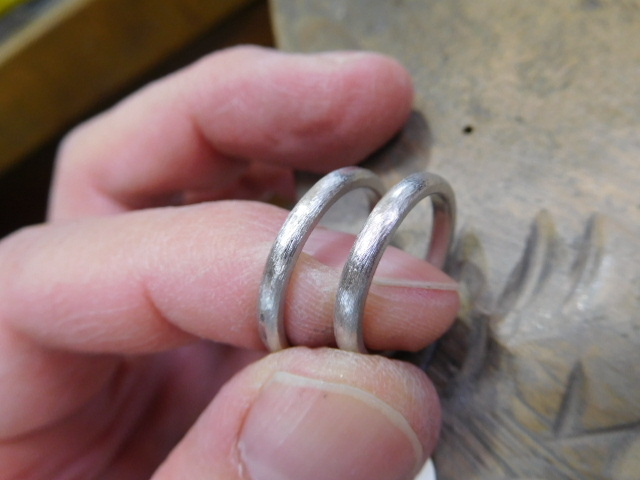 結婚指輪 プラチナ1000 ブランド