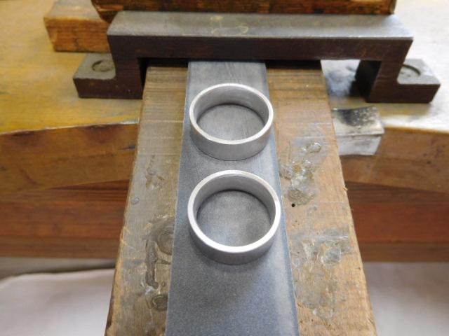 結婚指輪 鍛造 プラチナ